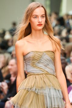 Burberry Prorsum Spring 2015 RTW | photo by Yannis Vlamos | posted by Vogue.com