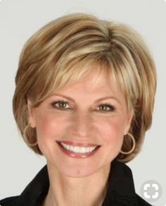 Frisuren Short hair styles Wedding Gifts: Unique And Creative Ideas Choosing wedding gifts is a very Hair Styles For Women Over 50, Short Hair Cuts For Women, Short Hairstyles For Women, Medium Hair Styles, Curly Hair Styles, Medium Fine Hair, Hairstyle Short, Short Styles, Short Layered Haircuts