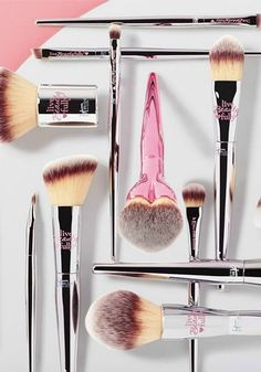For every Live Beauty Fully brush purchased, IT Cosmetics is donating one brush to the Look Good, Feel Better program that helps women face cancer with confidence.