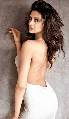 Does Bollywood hotties look more stunning with backless dresses?