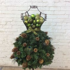 DIY Tutorial -Super Easy Dress Form Christmas Tree on a Wire Form – Mannequin Madness