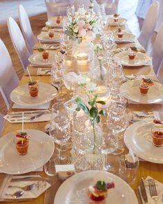 Speiltvillingene – Tips til billig låvebryllup Table Settings, Table Decorations, Tips, Place Settings, Dinner Table Decorations, Tablescapes, Counseling