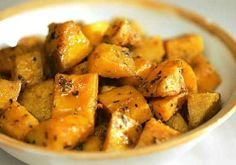 425 degrees-1 hour-roasted squash-try pumpkinseed, hazelnut or walnut oil-sel + poivre-try fresh thyme, cayenne or Aleppo pepper, cumin, mace