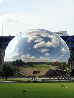 Paris - Parc de la Villette by GutoAbreu, via Flickr