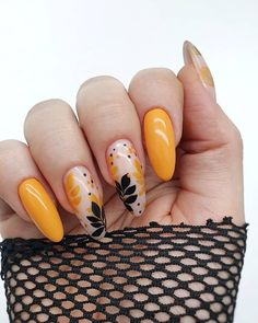 Дизайн ногтей.Уроки маникюра. — Фото | OK.RU Pretty Nail Art, Cute Nail Art, Cute Nails, Disney Acrylic Nails, Pink Acrylic Nails, Autumn Nails, Fall Nail Art, Karma Nails, Yellow Nail Art