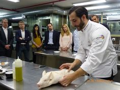 Clase de cocina magistral con Mario Sandoval, Chef con estrella Michelin por su restaurante Coque.http://www.culinaryspain.es/actividades/clases-de-cocina/showcooking-o-clase-de-cocina-creativa-con-estrellas-michelin/