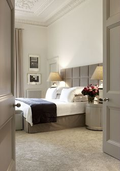 A classic, modern bedroom Dream Bedroom, Home Bedroom, Bedroom Decor, Master Bedroom, Ivory Bedroom, Peaceful Bedroom, Bedroom Colors, Modern Bedroom, Decoration Inspiration