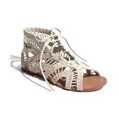 #neutralhuesfashion♥   White sandal
