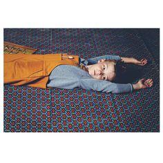 Relaxing Time | @paulpaula @kidsphy  @sem2303  @colchikdaily @aswegrow  #childhood #timeless #childrenphoto #kids #textures #relax #kidstyle #kidsphotography #kinderfoto