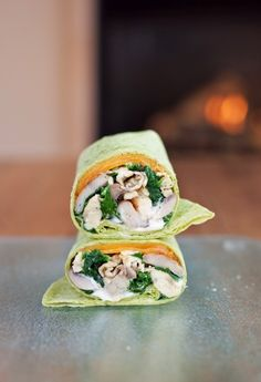 Tired of egg sandwiches? Wrap it up! A delicious Spinach & Mushroom Scrambled Egg Wrap. Wrap Recipes, Veggie Recipes, Vegetarian Recipes, Healthy Recipes, Healthy Foods, Brunch Recipes, Breakfast Recipes, Dinner Recipes, Breakfast Spinach