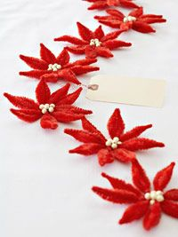 Chenille Poinsettia  I have made these many times; into ornaments, garland and napkin rings