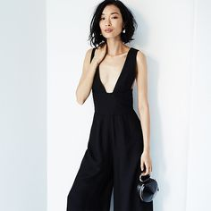 5 Ways to Style Your Jumpsuit Like a Pro