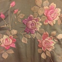 Stunning 3-d hand embroidery on the back of a made for export antique kimono I recently bought.  Likely Edwardian or from the 20s this is by no means traditional Japanese. I love the combination of east and west.  Purchased to wear as a dressing robe at my vanity table #crazycatlady #eccentric #vintage #vintagestyle #antique #kimono #japanese #japan #traditon #embroidery #handmade #antiquefashion #eastmeetswest #roses #floral #edwardian #collection