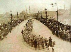 Türk ordusu İstanbul'a giriyor.İstanbul'un işgalinden kurtuluş günü 1923.