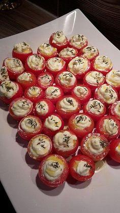 Gefüllte Tomaten mit Schafskäsecreme, ein raffiniertes Rezept aus der Kategorie Frühstück. Bewertungen: 90. Durchschnitt: Ø 4,4.