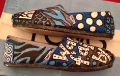 Walk by faith, not by sight Toms by:  Karen Laughlin