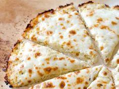 Massa de pizza feita com couve-flor. Deliciosa e sem glúten!