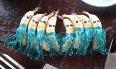 bananas havaianas , banana hula hula
