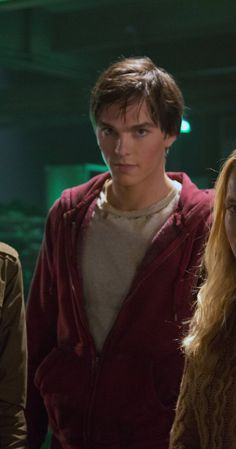 Still of Nicholas Hoult, Teresa Palmer (I) and Analeigh Tipton in Warm Bodies (2013)