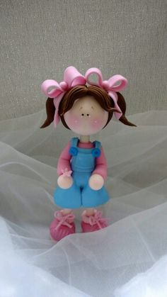 *SORRY, no information as to product used Polymer Clay Dolls, Polymer Clay Projects, Clay Crafts, Porcelain Pens, Cold Porcelain, Pen Toppers, Little Boy And Girl, Clay Figurine, Clay Ornaments