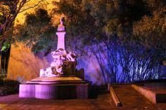 """Monumento de Efraín y María en honor a la famosa obra del escritor caleño Jorge Isaacs """"María"""""""