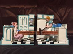 """Lucille Ball I LOVE LUCY PIONEER WOMEN """"BREAD"""" BOOKENDS by Vandor RARE! NEW BOX!"""