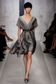 Donna Karan Spring 2010 RTW - Runway Photos - Fashion Week - Runway, Fashion Shows and Collections - Vogue