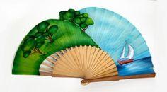 Abanico en algodón pintado a mano por las dos caras y con bordes modelados. Hand Held Fan, Hand Fan, Stained Glass Mirror, Coloring Pages, Artsy, Hand Painted, Shabby, Fans, Antiques