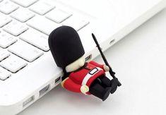 Queens Guard Driver USB Stick - 8GB