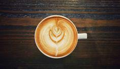 Obsah kofeinu v kávě Robusta je přibližně dvakrát větší než v druhu Arabica. Obsah kofeinu