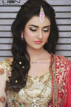 Latest Asian Party Makeup Tutorial Step By Step Looks amp; Tips - Bride - Latest Asian Party Makeup Tutorial Step By Step Looks amp; Tips - Bride - Lehenga Hairstyles, Indian Bridal Hairstyles, Wedding Hairstyles, Party Makeup Tutorial, Makeup Tutorial Step By Step, Makeup Tutorials, Pakistani Bridal Makeup, Indian Party Makeup, Party Make-up