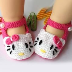 Hand Made Lovely Catty Head Crochet Pattern Baby Shoes
