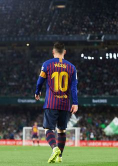 SEVILLE, SPAIN - MARCH Lionel Messi of FC Barcelona reacts during the La Liga match between Real Betis Balompie and FC Barcelona at Estadio Benito Villamarin on March 2019 in Seville, Spain. (Photo by Aitor Alcalde/Getty Images) Messi Neymar, Messi Vs, Messi And Ronaldo, Cristiano Ronaldo, Ronaldo Real, Leonel Messi, Football Messi, Messi Soccer, Nike Soccer