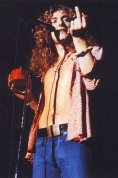 "Robert Plant, front man for my favourite rock band, ""Led Zeppelin""! Angela Bowie, John Paul Jones, John Bonham, Jimmy Page, Great Bands, Cool Bands, Arte Led Zeppelin, Hard Rock, Rock And Roll"