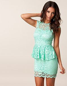 JOHN ZACK / LACE PEPLUM DRESS    EUR 44,95
