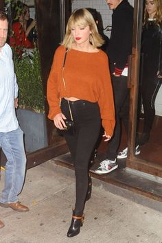 Taylor Swift's Best Style Moments - Taylor Swift's Best Style Moments Source by jiacollection - Taylor Swift Casual, Style Taylor Swift, Taylor Swift Outfits, Taylor Alison Swift, Taylor Swift Clothes, Taylor Swift Fashion, Celebrity Outfits, Celebrity Look, Celebrity News