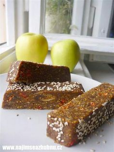 Figove tycinky Raw Food Recipes, Vegetarian Recipes, Healthy Recipes, Energy Bites, Healthy Sweets, Weight Loss Smoothies, Finger Foods, Baked Goods, Deserts