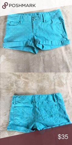 Lilly Pulitzer Clifton Blue White Polka Dot Shorts Lilly Pulitzer brand size 4 Clifton short style blue with white polka dots. Waist is 32 inches inseam is 2.5 inches front rise is 7.5 inches. 98% cotton 2% spandex. In excellent condition. Lilly Pulitzer Shorts