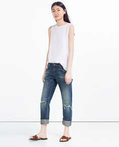 RELAX FIT LOW-RISE JEANS