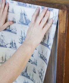 Good instrucitons on how to use wallpaper to modpodge an old piece of furniture. Poppytalk: DIY Decor