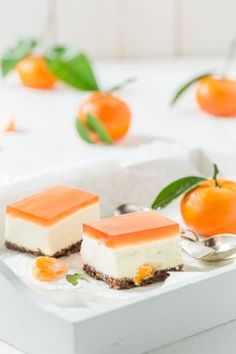 Nepečený mandarínkový cheesecake | Recepty.sk Breakfast Pancakes, Breakfast For Kids, Czech Recipes, Ethnic Recipes, Fondue, Camping Snacks, Jus D'orange, Cheesecakes, Panna Cotta