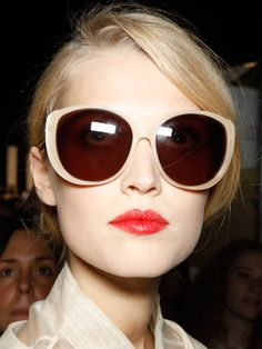 We can't get enough of that creamy rouge at #ChristianDior. #retrobeauty #madmen #redlips