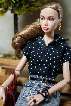 #PoppyParker #Doll Sits on The bench