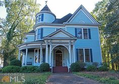 1893 Queen Anne located at: 1055 Prince Ave, Athens, GA 30606 Victorian Architecture, Beautiful Architecture, Beautiful Buildings, Architecture Details, Beautiful Homes, Victorian Style Homes, Victorian Houses, Small Cottages, Old House Dreams