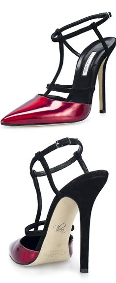 Oscar de la Renta ~ Metallic Pumps.              V