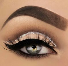 Pageant and Prom Makeup Inspiration. Find more beautiful makeup looks with Pagea… Pageant and Prom Makeup Inspiration. Find more beautiful makeup looks with Pageant Planet. Eye Makeup Tips, Smokey Eye Makeup, Makeup Goals, Makeup Inspo, Beauty Makeup, Hair Makeup, Makeup Ideas, Silver Glitter Eye Makeup, Makeup Products