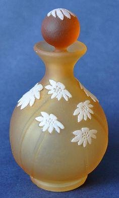 Day's Eye Perfume Bottle Okra Glass http://www.bwthornton.co.uk/isle-of-wight-richard-golding-bath-aqua-glass.php