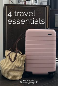 travel chic - 4 travel essentials that made my life much easier this fall Travel Sights, Travel Tours, Travel Packing, Travel Usa, Travel Capsule, Vacation Packing, Travel Hacks, Travel Ideas, Online Travel Agent