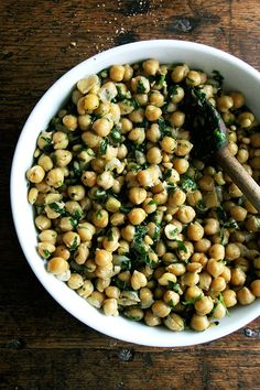 Chickpea sauté with basil and garlic