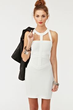Need this dress. Who agrees?